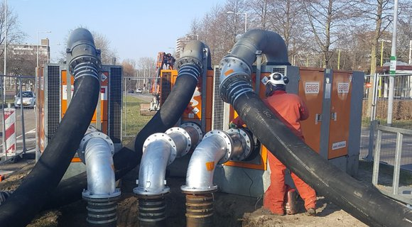 Temporary sewer bypass in Rotterdam with Betsy 300 diesel engine pumps